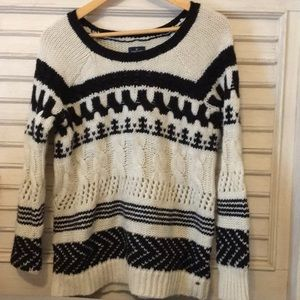 American Eagle 🦅 cable knit winter sweater size M